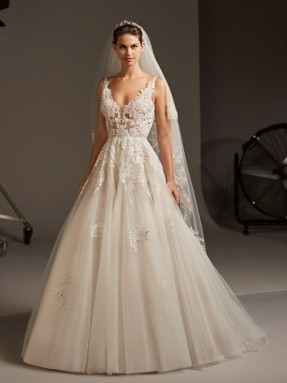 WEDDING DRESS 2020 Pronovias Ariel