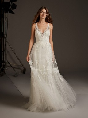 WEDDING DRESS 2020 Pronovias Cressida