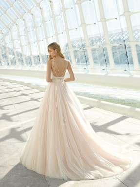 WEDDING DRESS 2019 Rosa Clará Domit