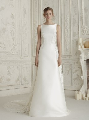 WEDDING DRESS 2019 Pronovias Elene