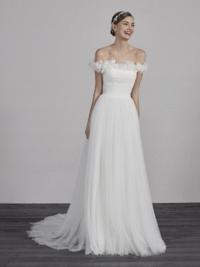 WEDDING DRESS 2019 Pronovias Esai
