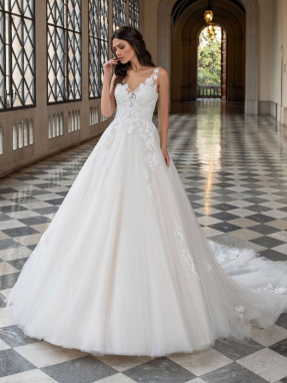 WEDDING DRESSES Pronovias Holm 2021