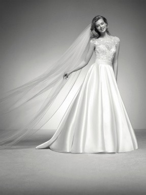 WEDDING DRESS 2019 Pronovias Iria