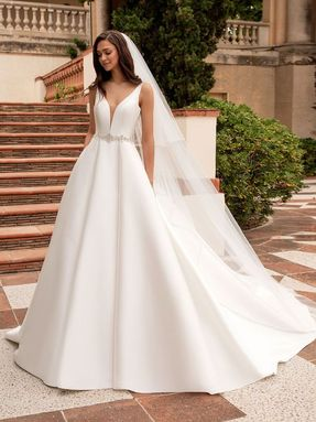 WEDDING DRESS 2020 Pronovias Malena