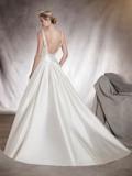 Svatební šaty Pronovias Aras 2018