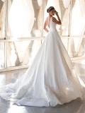 Svatební šaty Pronovias Green 2021