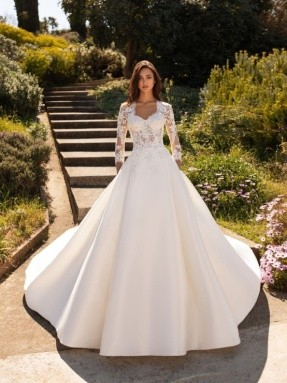 WEDDING DRESS 2020 Pronovias Phoenicia