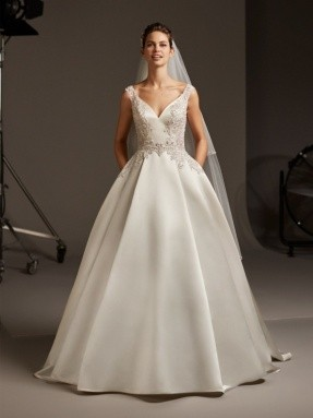WEDDING DRESS 2020 Pronovias Polaris