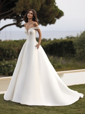 WEDDING DRESS 2020 Pronovias Rea