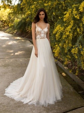 WEDDING DRESS 2020 Pronovias Ursa