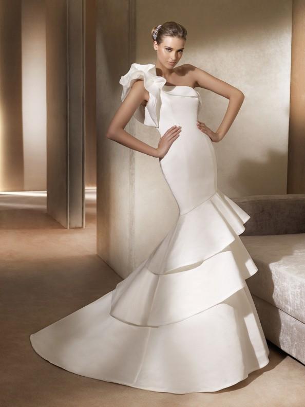 Svatební šaty Pronovias Alison 2015