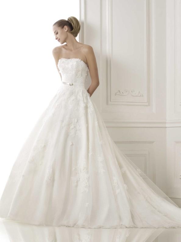 Svatební šaty Pronovias Basira 2015