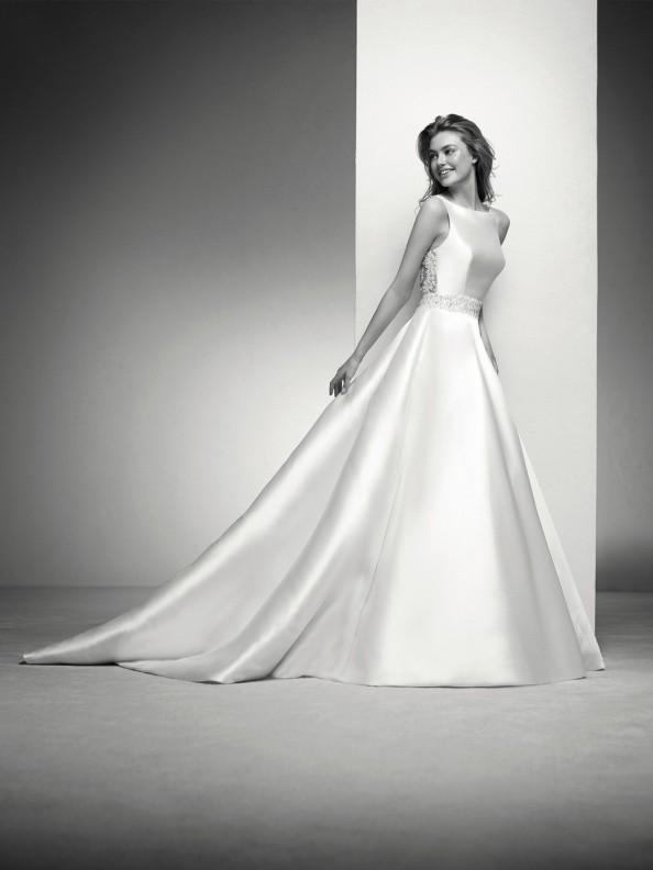 WEDDING DRESSES Pronovias Irlena 2019