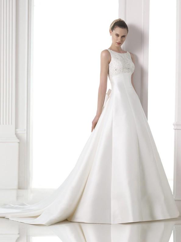 Svatební šaty Pronovias Magami 2015