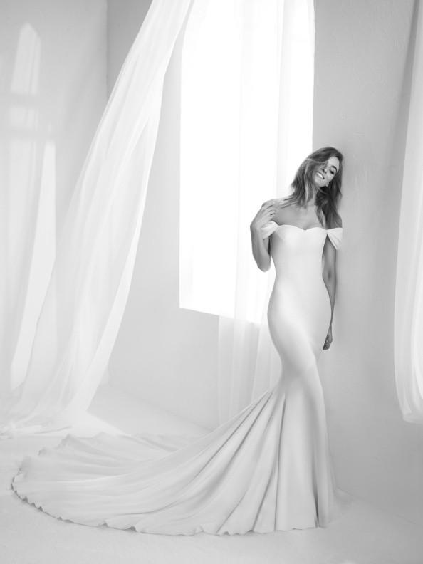 Svatební šaty Atelier Pronovias Raciela 2018