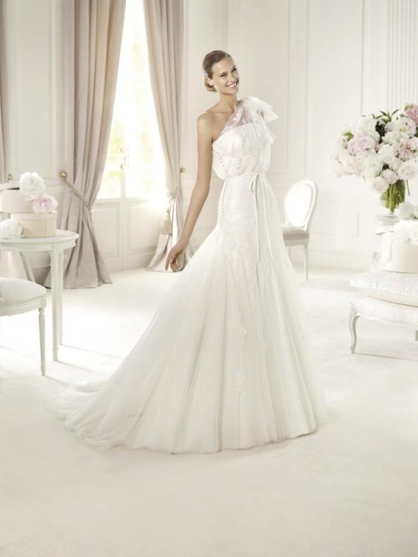 Svatební šaty Pronovias Usera 2015